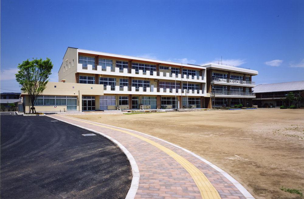 匝磨市立共興小学校校舎 改築