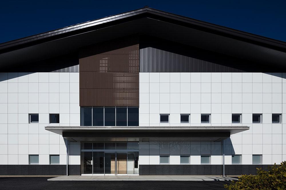 学校法人日栄学園  日本自動車大学校体育館